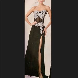 Dresses & Skirts - Formal appliqué prom dress